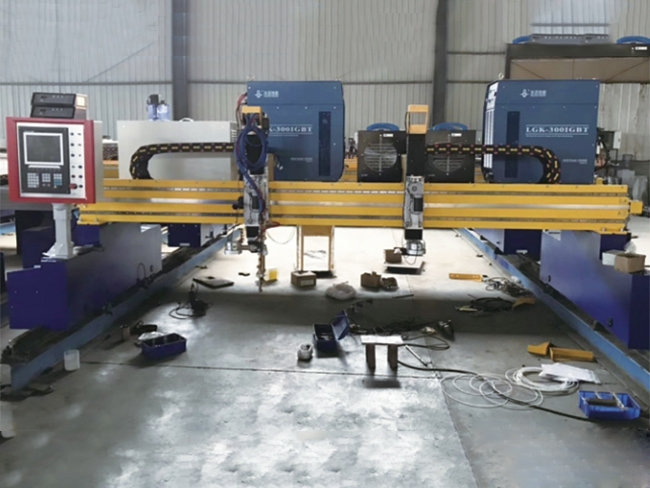 龙门式盖梁骨架焊接机器人